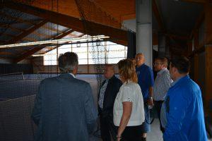 Einen Blick in die fast fertige Tennishalle: Die Fertigstellung ist für Ende August geplant.
