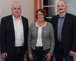 (v.l.) Bürgermeister Fritz Berends sowie die stellvertretenden Bürgermeister Hannegret Scholten und Jan Harms-Ensink.